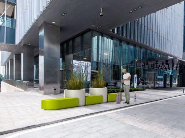 Banc urbain en plastique
