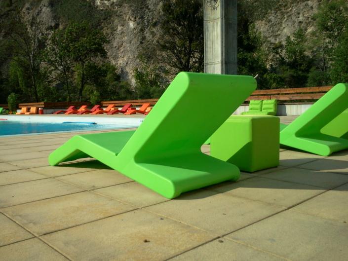 Chaise longue en plastique pour exterieur
