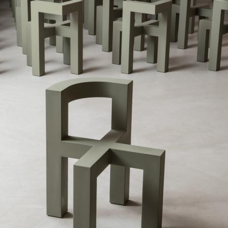 Chaises plastique rotomoulage