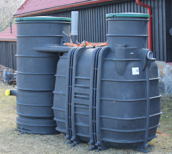 Rotomold plastic tank